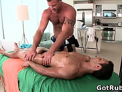 Massage pro gets his fine ass fucked
