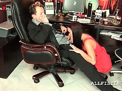 Sexy secretary gets cunt hammered by her boss
